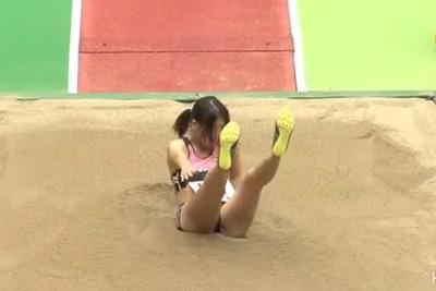極小ブルマ《女子校生陸上競技大会》飛んだあとがすごく良い…