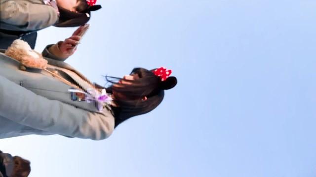 《夢の国で制服JK撮影》④【高画質】《女子校生リアルパンティ逆さ盗撮》
