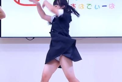 【アイドル パンチラ】履き忘れを認めた!高画質カメラで捉えられた現役アイドルの純白パンツ♪ 問題のシーン12:08