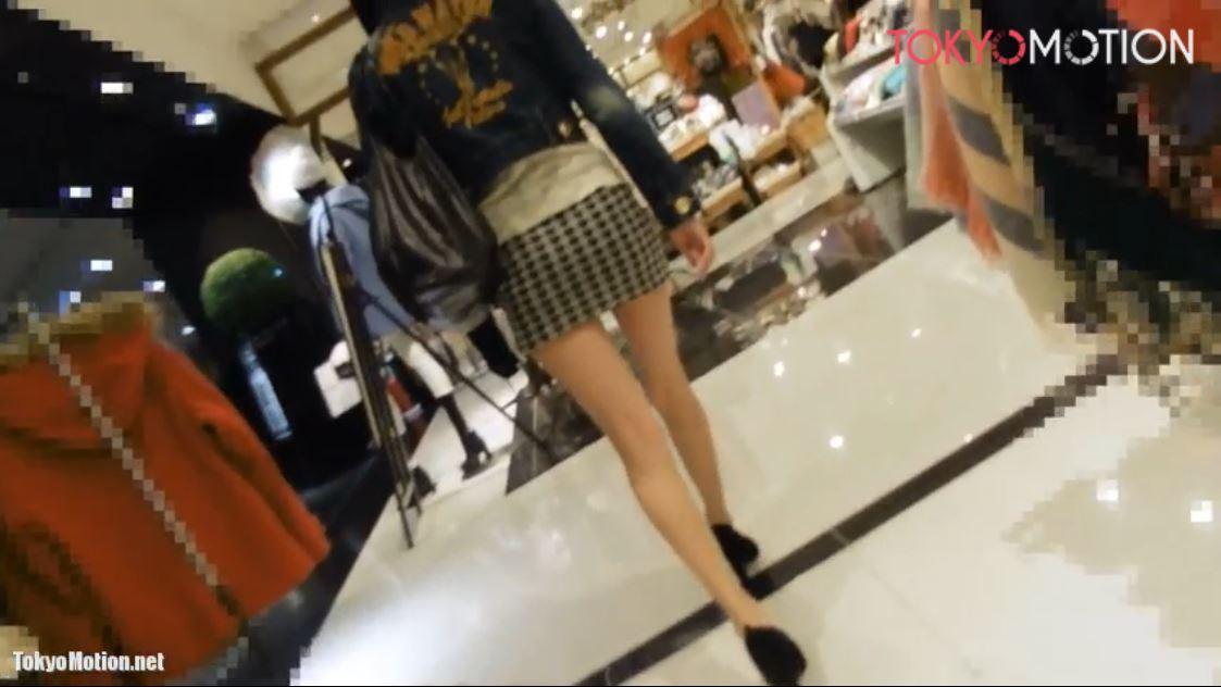 《美脚女性パンティ前から&逆さ盗撮》『タイトミニスカートから美脚♪想像してたパンティと違うww』
