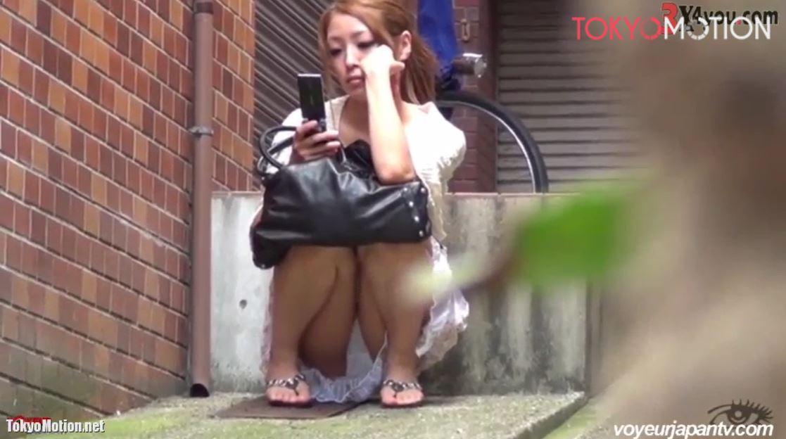 ※早期削除注意※《美少女お座りパンティ正面&逆さ盗撮》たくさんの美少女を収めた動画
