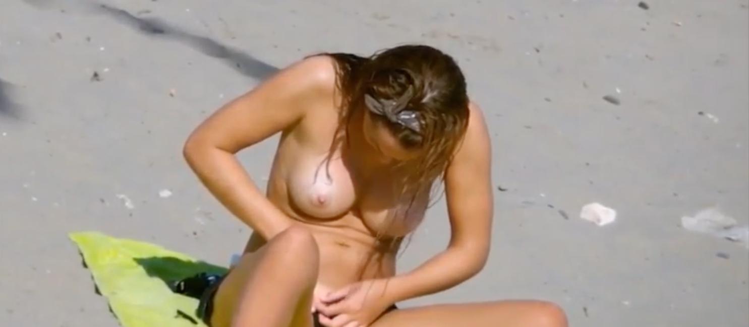 女の人が裸でその辺を歩いてるヌーディストビーチって知ってますか?そこで見かけた選りすぐりの美女たちをご紹介します。