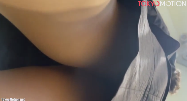 【タイトスカートの中】エスカレーターでタイトスカートのスーツ女性を下から撮影して下着ゲット